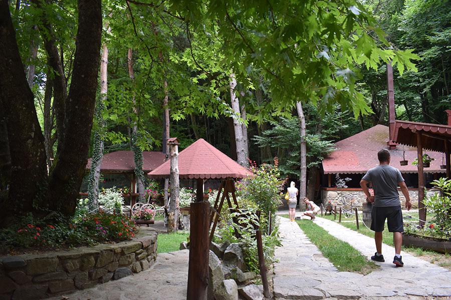 smolarski vodopad edinstveniot postojan vodopad vo makedonija 6